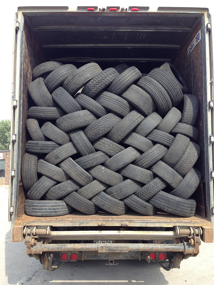 Transport Lyon Tire Collection